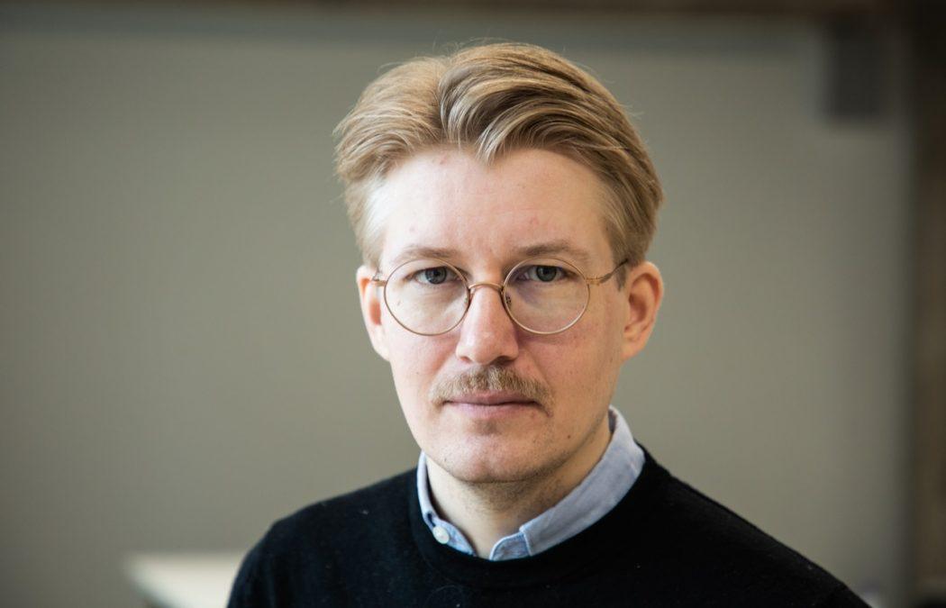 Tämän kuvan alt-attribuutti on tyhjä; Tiedoston nimi on Koljonen-Olli-Pekka-1050x675.jpg